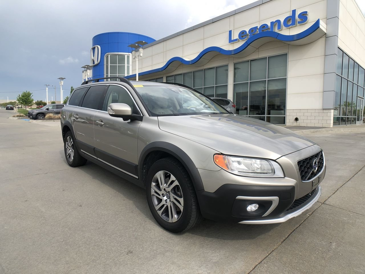 Pre-Owned 2014 Volvo XC70 AWD 4dr Wgn 3.2L